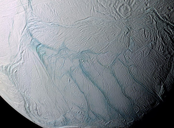 Icy Moon (Image Credit: www.zmescience.com)