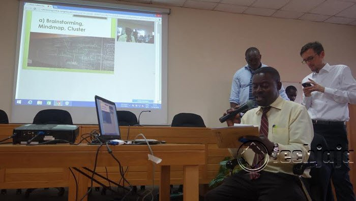 Teacher from Lake Side College Addressing the online and live Audiences