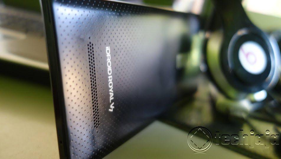 iDroid V7 review sideshot